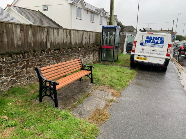 Bench installed – Goonhavern
